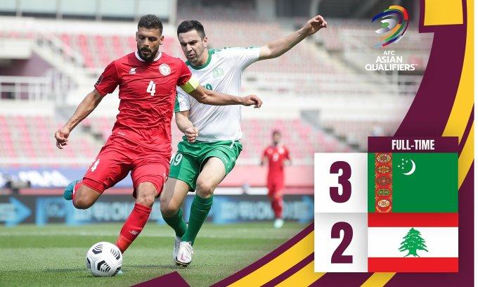 Turkmenistan (áo trắng) bất ngờ quật ngã Lebanon chiều 9/6. Ảnh: AFC