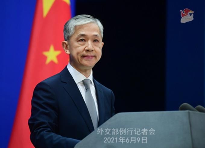 Phát ngôn viên Bộ Ngoại giao Trung Quốc Uông Văn Bân tại cuộc họp báo ở Bắc Kinh hôm 9/6. Ảnh: Bộ Ngoại giao Trung Quốc.