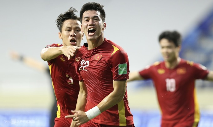Việt Nam mừng chiến thắng then chốt trước Malaysia tối 11/6. Ảnh: Lâm Thoả