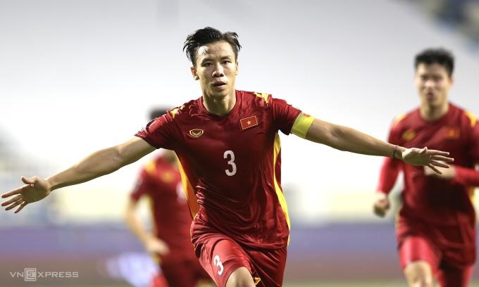 Ngọc Hải mừng bàn quyết định giúp Việt Nam thắng Malaysia 2-1. Ảnh: Lâm Thoả