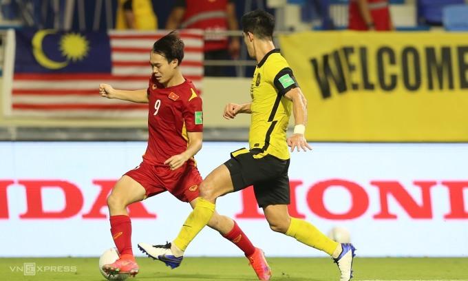 Văn Toàn chỉ hiện diện trên sân trong hơn 20 phút cuối trận, nhưng góp phần làm nên đột biến cho tuyển Việt Nam trước Malaysia. Ảnh: Lâm Thoả