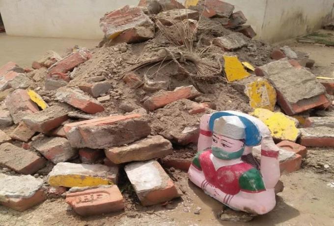 Đền thờ 'nữ thần corona' bị phá hủy
