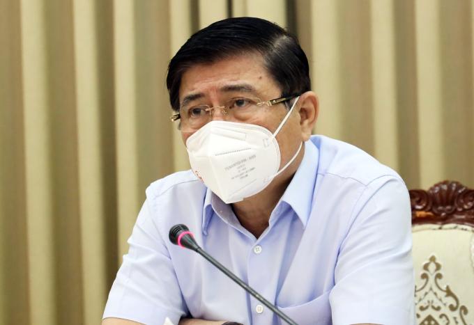 Chủ tịch UBND TP HCM Nguyễn Thành Phong tại cuộc họp Ban chỉ đạo chống dịch sáng nay. Ảnh: Trung tâm báo chí TP HCM.