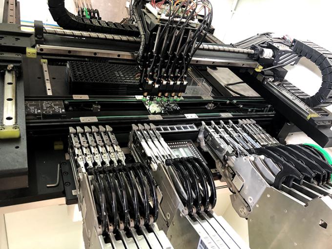 Phần cứng của hệ thống được kết nối với nhiều cảm biến. Ảnh: Nhóm nghiên cứu.