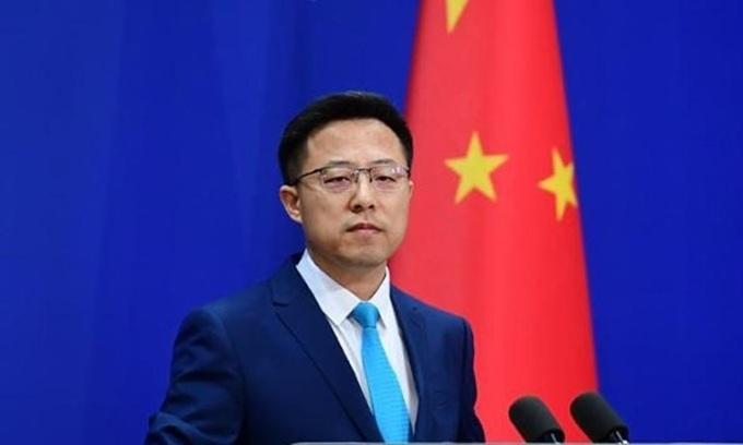 Phát ngôn viên Bộ Ngoại giao Trung Quốc Triệu Lập Kiên tại cuộc họp báo ở Bắc Kinh hồi tháng 4/2020. Ảnh: China News.
