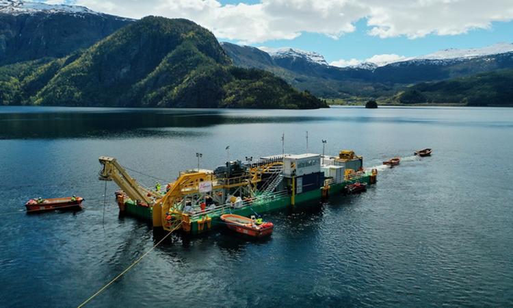 Hoàn thành lắp đặt cáp điện ngầm dài nhất thế giới