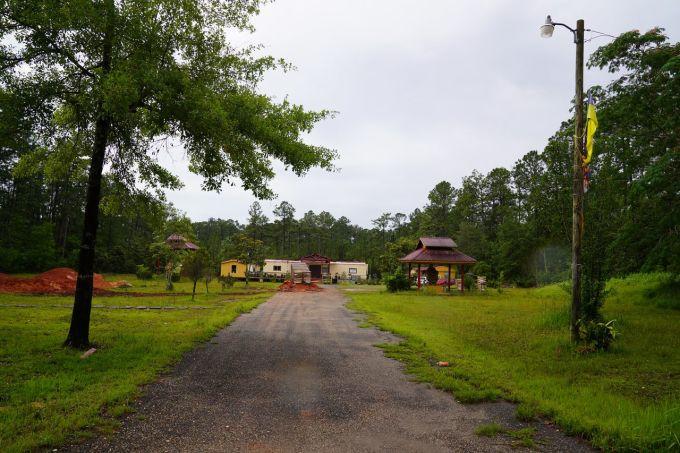 Ngôi chùa Phật giáo ở Bayou La Batre. Ảnh: AL.