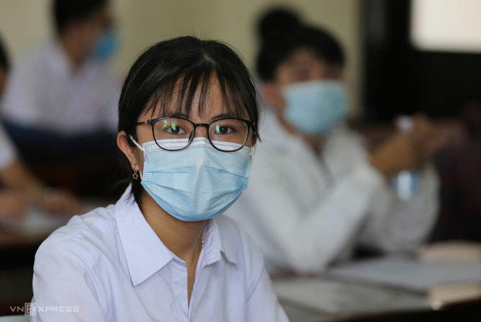 Thí sinh Quảng Nam dự thi tốt nghiệp THPT đợt hai, năm 2020. Ảnh: Đắc Thành.