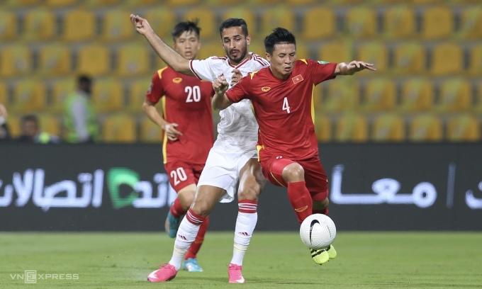 UAE đã thắng Việt Nam 3-2 để chiếm đỉnh bảng G vòng loại thứ hai World Cup 2022 hôm 15/6, nhưng tái ngộ UAE ở vòng loại thứ ba sẽ dễ chịu hơn với Việt Nam, nếu so với Saudi Arabia. Ảnh: Lâm Thoả