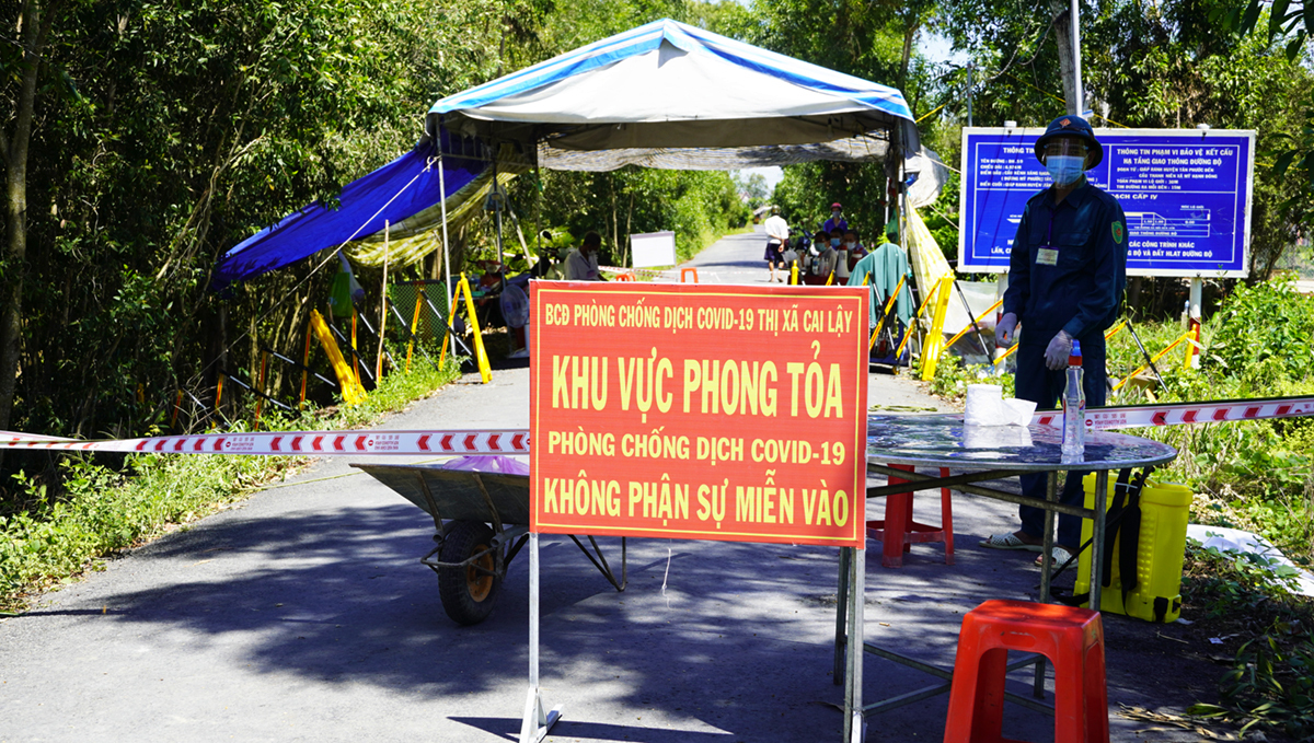 Khởi tố vụ án làm lây Covid-19 ở Tiền Giang