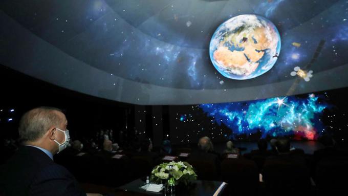 Thổ Nhĩ Kỳ tiết lộ chương trình không gian đầy tham vọng tại GLEX 2021. Ảnh: AP.