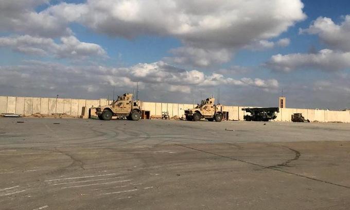 Lực lượng tuần tra tại căn cứ Ain al-Asad hồi tháng 1/2020. Ảnh: Reuters.