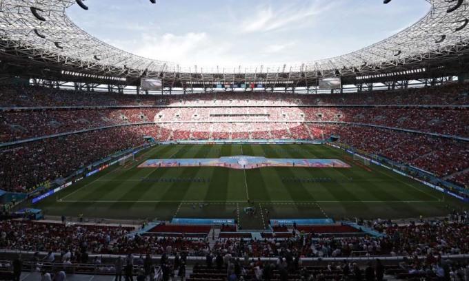 Sân vận động Puskas Arena tại thành phố Budapest trước trận đấu giữa chủ nhà Hungary và Bồ Đào Nha, trong khuôn khổ Euro, hôm 15/6. Ảnh: AFP.