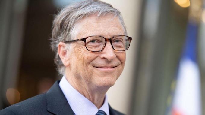Bill Gates bị tố từng 'bắt cá hai tay'