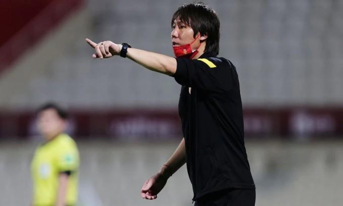 Lý Thiết trong trận Trung Quốc gặp Philippines ở vòng loại World Cup thứ hai vào ngày 7/6. Ảnh: Reuters.