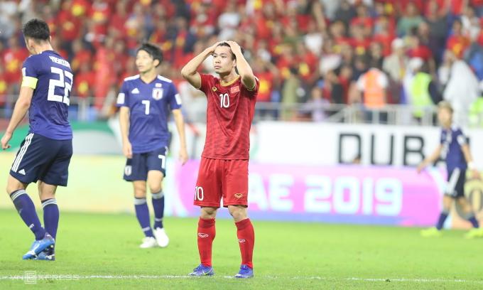 Công Phượng tiếc nuối với cơ hội bỏ lỡ ở trận thua Nhật Bản tại tứ kết Asian Cup 2019. Ảnh: Đức Đồng