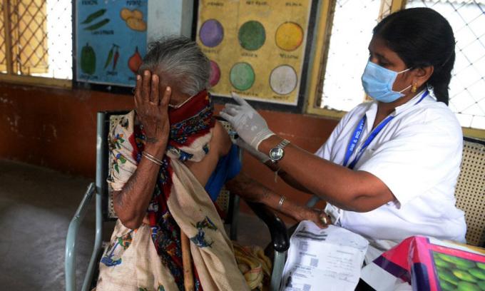 Ấn Độ vượt mốc 400.000 người chết vì Covid-19