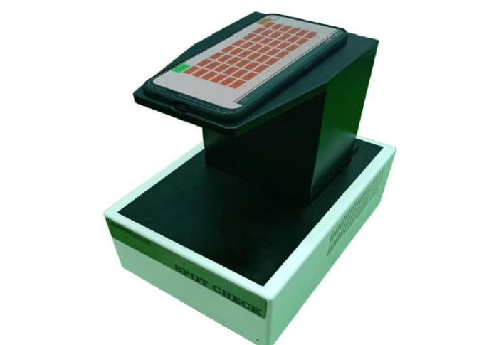 Người Việt sáng chế máy xét nghiệm nhanh Covid-19 giá rẻ