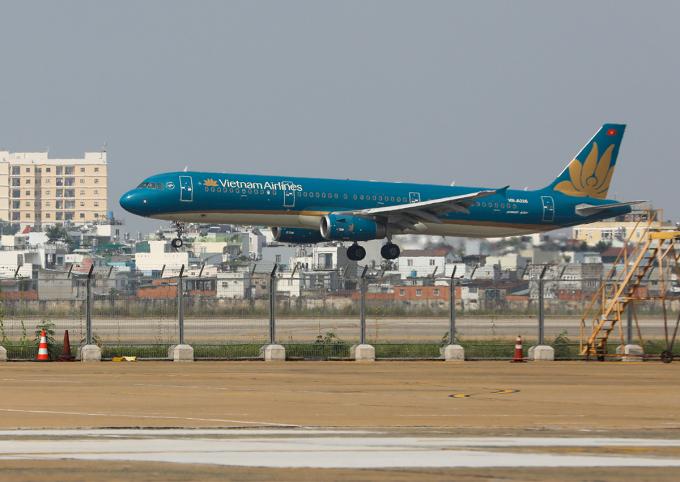 Máy bay tại sân bay Tân Sơn Nhất. Ảnh: Quỳnh Trần.