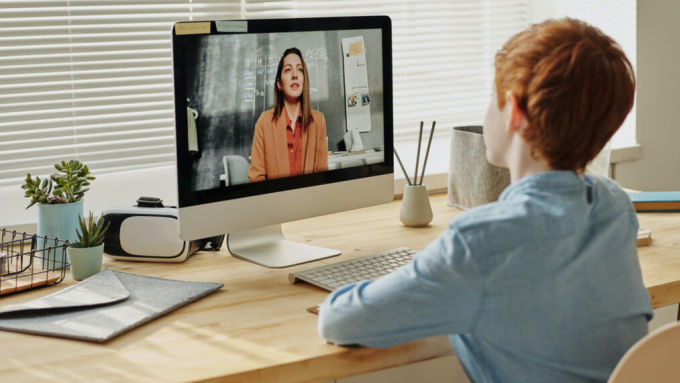 Nhiều học sinh thích cách học trực tuyến và muốn tiếp tục học tại các lớp ảo ngay cả sau đại dịch. Ảnh: KATV.