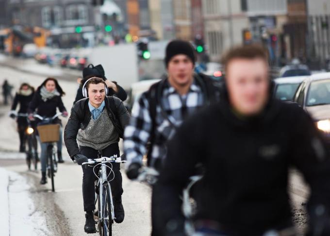 Người dân đi học, đi làm bằng xe đạp. Ảnh: Denmark.dk