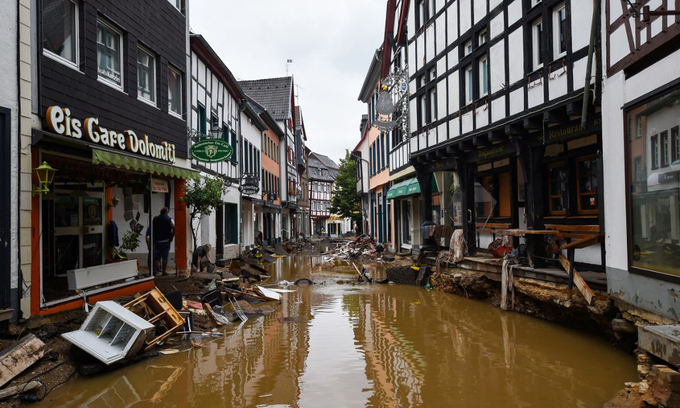 Thủ tướng Đức sốc trước thiệt hại của lũ lụt