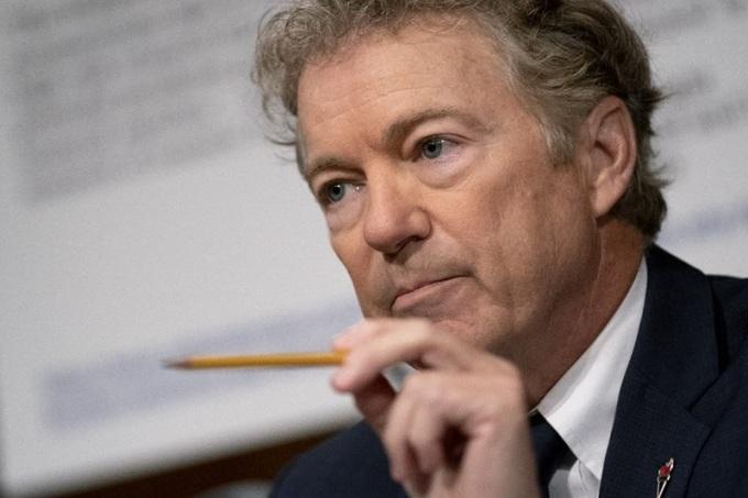 Thượng nghị sĩ Cộng hòa Rand Paul tại phiên điều trần của Ủy ban Y tế Thượng viện hôm 20/7. Ảnh: AFP.
