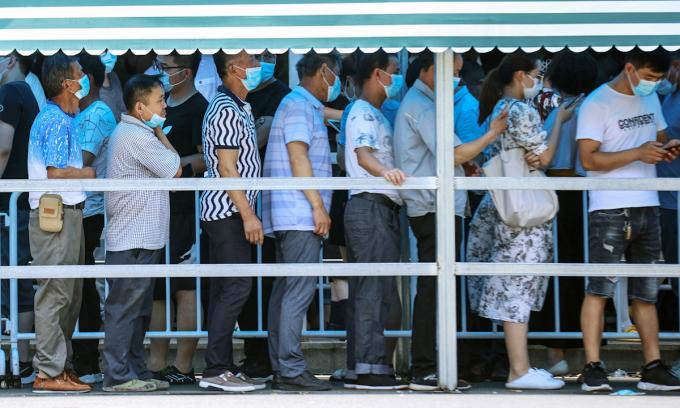 Trung Quốc hủy 500 chuyến bay vì phát hiện ổ dịch