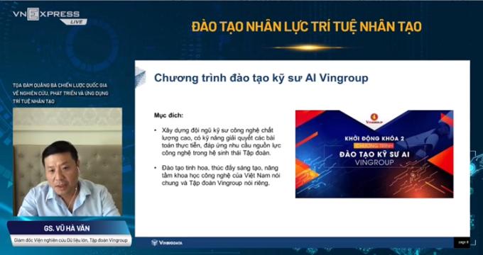 GS Vũ Hà Văn phát biểu tại tọa đàm.