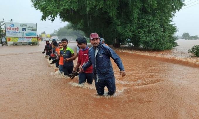Mưa lũ khiến ít nhất 125 người chết ở Ấn Độ
