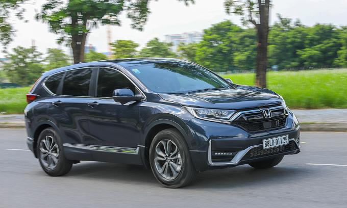 Honda CR-V phiên bản lắp ráp lăn bánh tại Hà Nội. Ảnh: Lương Dũng