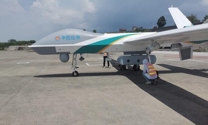 Máy bay không người lái phát tín hiệu di động giúp nối lại liên lạc và đường truyền Internet tại khu vực bị mưa lũ tàn phá ở tỉnh Hà Nam