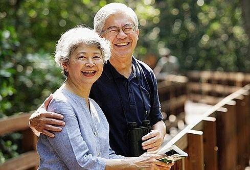 Tiền giúp bố mẹ già độc lập con cái