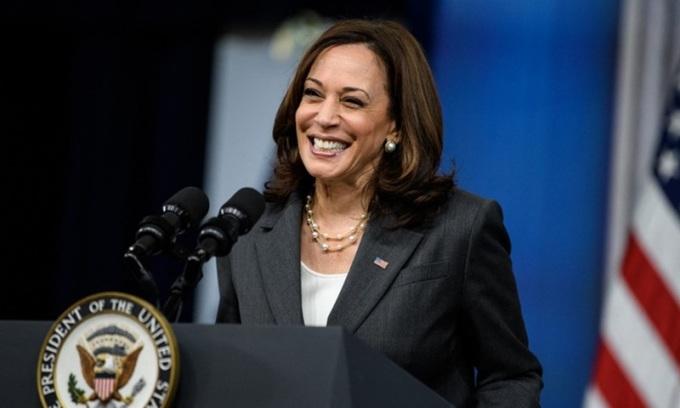 Phó tổng thống Mỹ Kamala Harris phát biểu tại Nhà Trắng hôm 27/7. Ảnh: AFP.