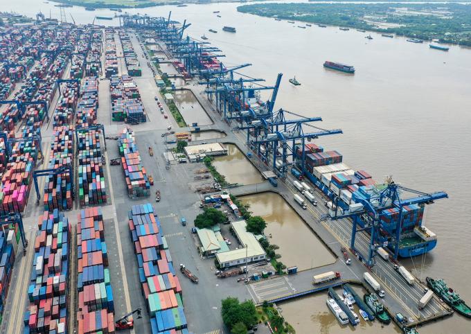 Cảng Cát Lái cuối tháng 4/2021. Ảnh: Quỳnh Trần.