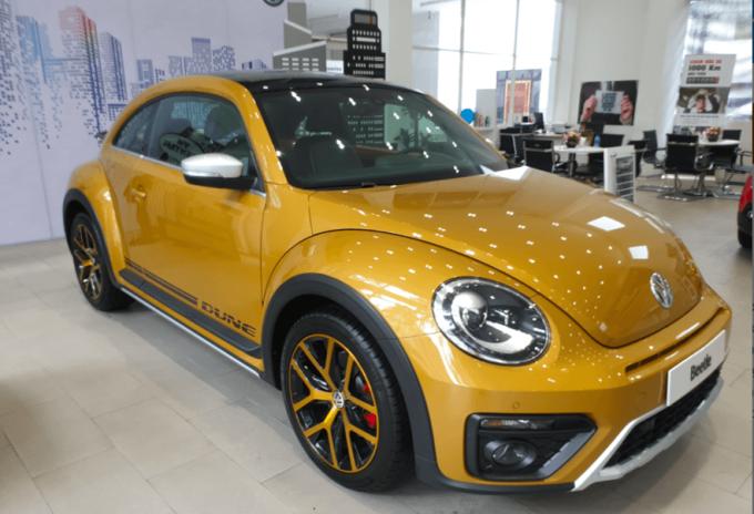 Mẫu Beetle Dune được bày bán tại đại lý. Ảnh: Volkswagen Việt Nam