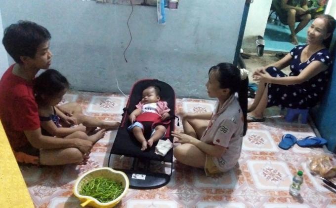 Gia đình 5 người lâm cảnh khó khăn khi anh Trọng ngừng chạy xe ôm khi dịch bùng phát. Ảnh: An Phương.