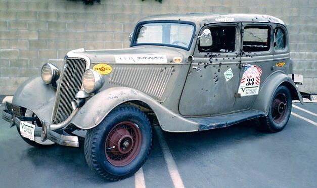 Cỗ xe nổi tiếng của Bonnie và Clyde, Ford V8.