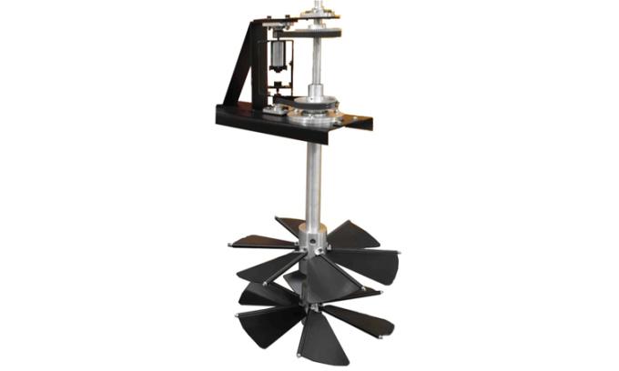 Các chuyên gia tại Đại học RMIT Australia phát triển thiết bị thu năng lượng sóng thử nghiệm với tiềm năng lớn. Ảnh: RMIT.
