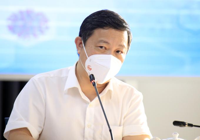 Phó chủ tịch UBND TP HCM Dương Anh Đức tại buổi họp báo. Ảnh: Hữu Công