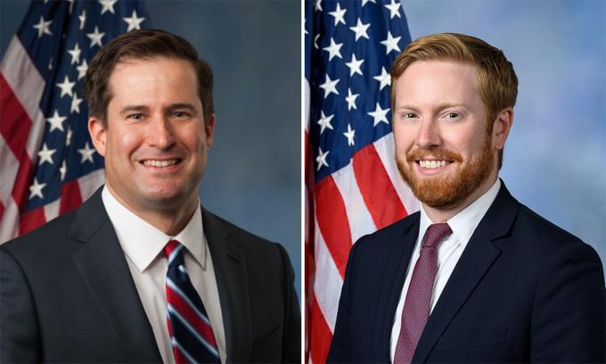 Hai nghị sĩ Mỹ hứng chỉ trích vì bất ngờ tới Kabul