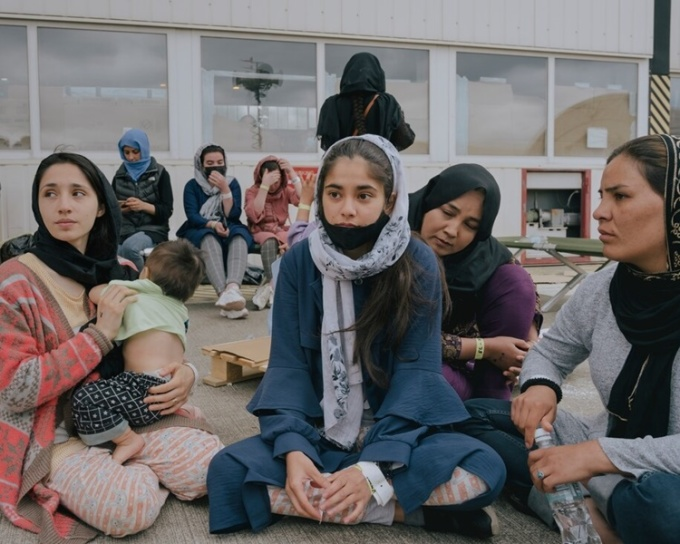 Ly tán gia đình trên đường di tản khỏi Afghanistan