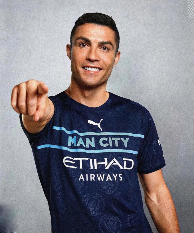 Ronaldo cập bến Etihad là một viễn cảnh mà fan Man City nào cũng muốn có.
