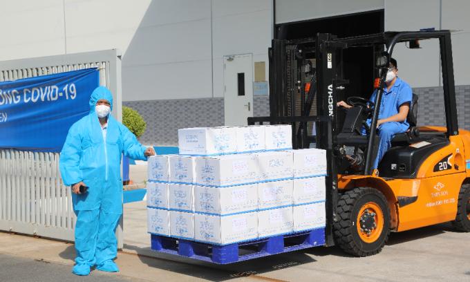 Những túi thuốc của HUBA được đóng gói chuyển đến các quận, huyện, TP Thủ Đức tại TP HCM. Ảnh: N.V.Đ.
