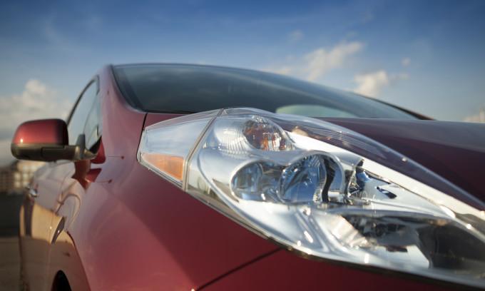 Kiểu đèn pha lồi trên Nissan Leaf. Ảnh: Nissan