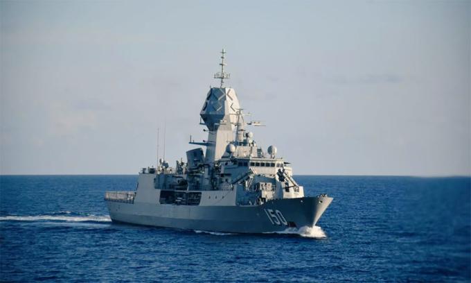 Hộ vệ hạm HMAS Anzac của Australia trong buổi diễn tập chung với hải quân Ấn Độ trên Biển Đông ngày 5/9. Ảnh: Indian Navy.