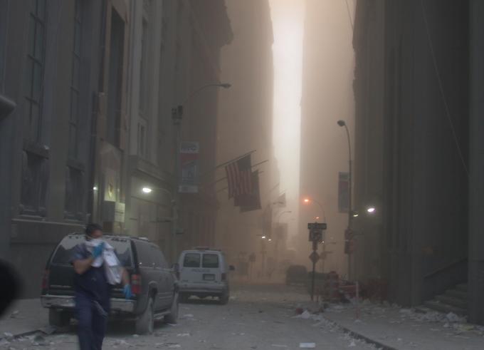Khung cảnh tan hoang sau vụ tấn công ngày 11/9. Ảnh: Twitter/@SecretService.