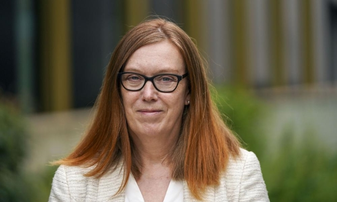Sarah Gilbert, người tạo ra vaccine AstraZeneca, trong khuôn viên đại học Oxford ở Oxfordshire, Anh, ngày 11/6. Ảnh: PA