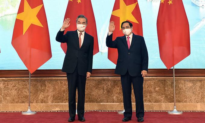 Thủ tướng Phạm Minh Chính tiếp Bộ trưởng Ngoại giao Trung Quốc Vương Nghị (trái) vào ngày 11/9. Ảnh: Bộ Ngoại giao.