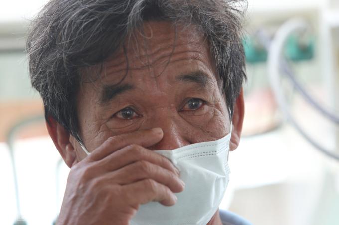 Ngư dân rơi nước mắt khi 'trở về từ cõi ᴄʜếᴛ'